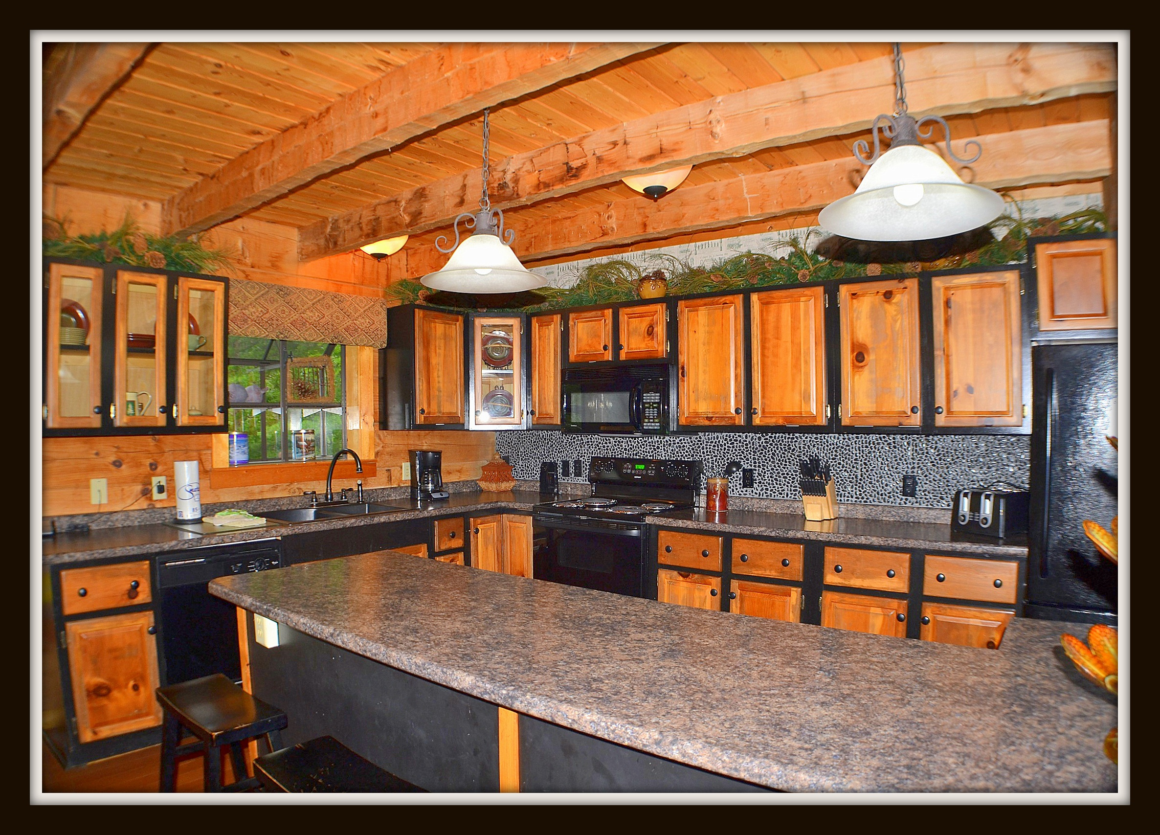 Smoky Mountain Lodge Vacation Rental In Sevierville   RedAwning
