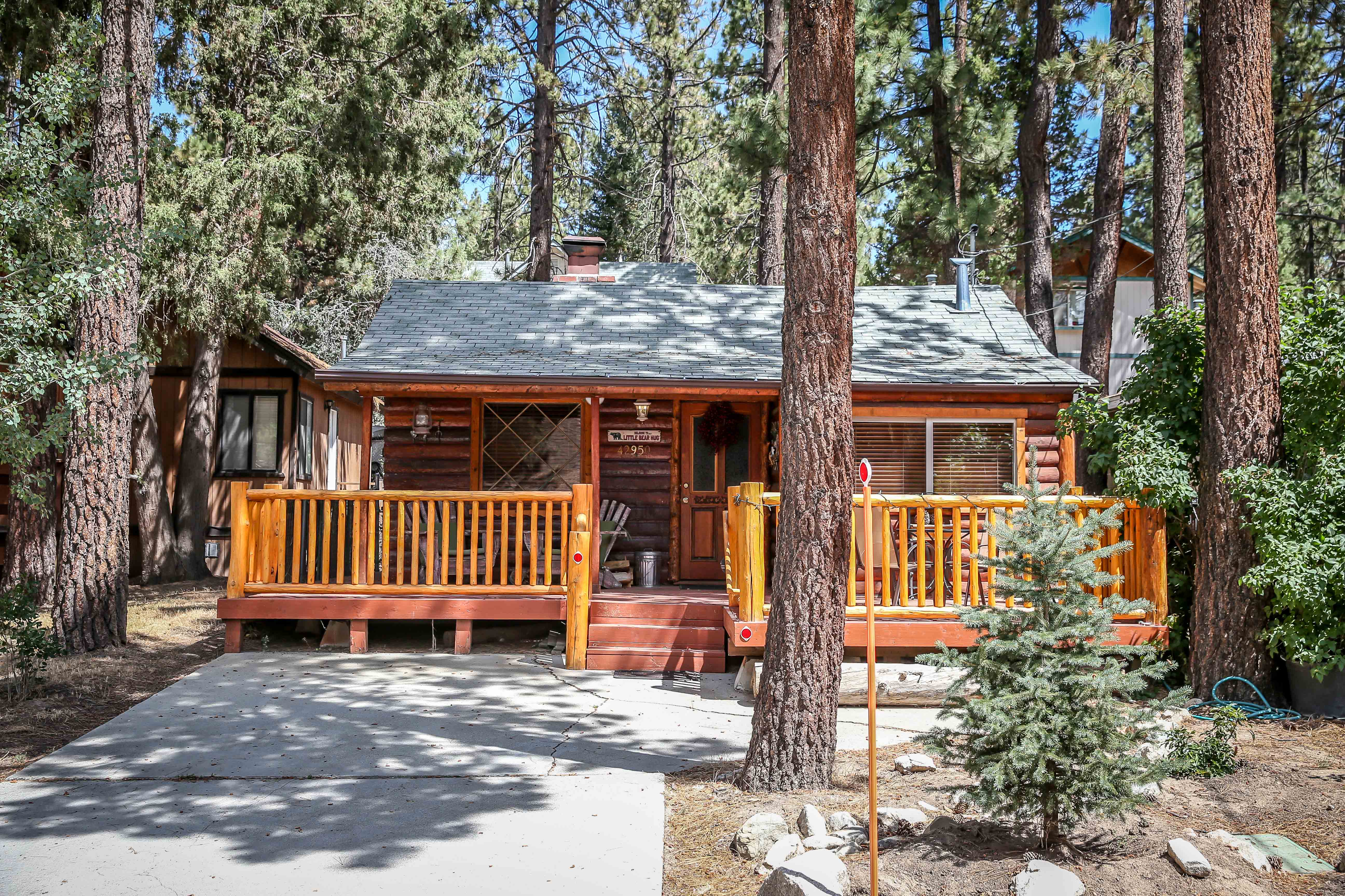 for cabin indoor cabins youtube watch rentals and bedroom bear vacation pool ca sleep in big rent