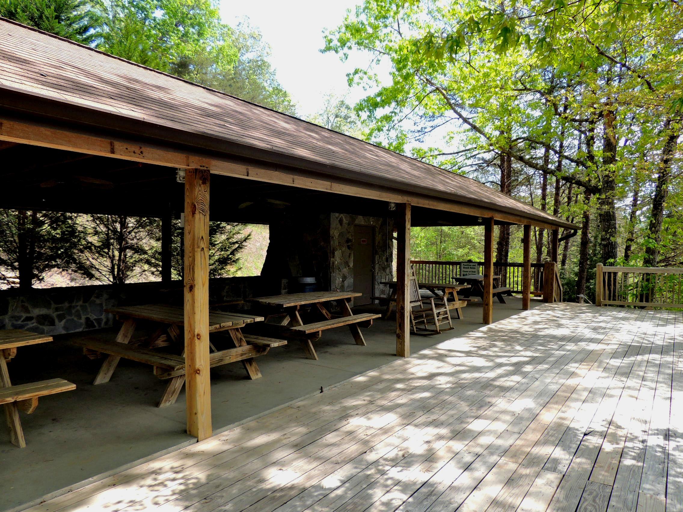 Riverside Cabin Retreat Ra167192 Redawning