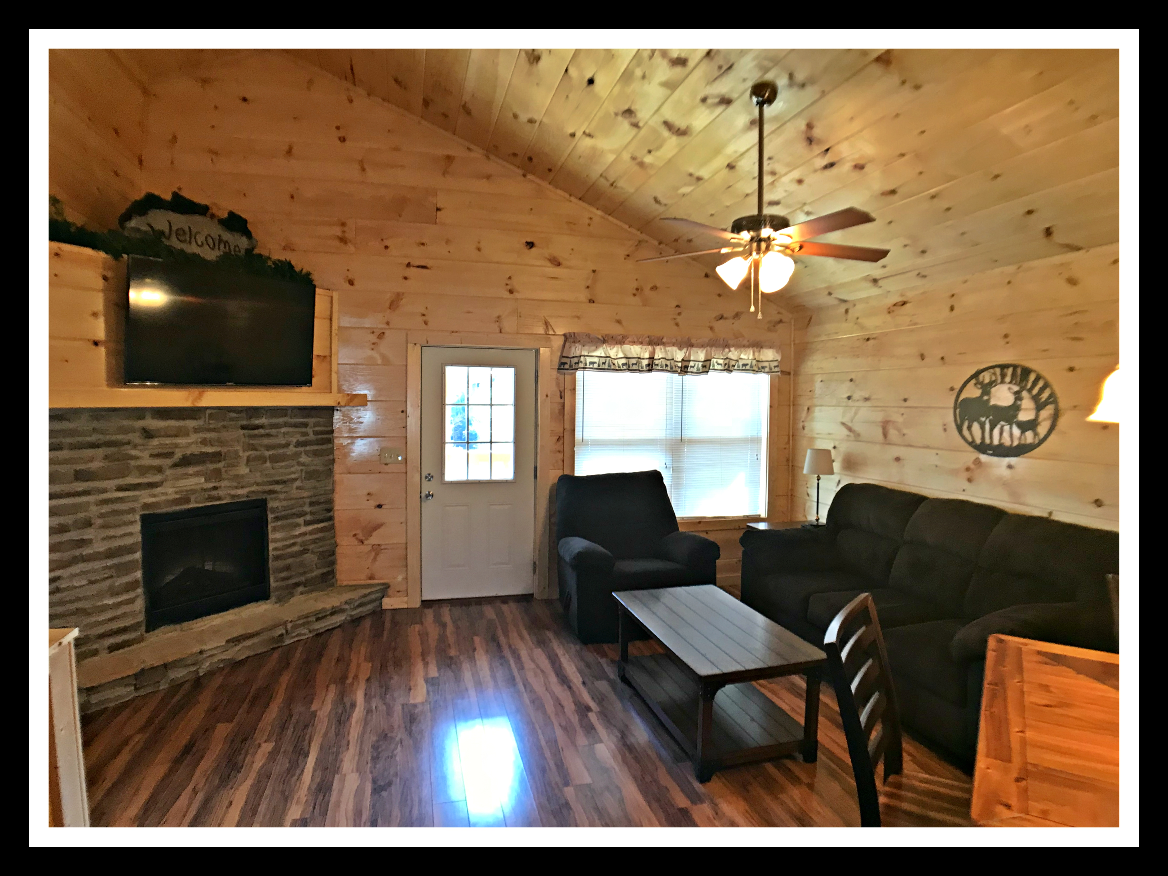forge cabins outdoor rent grand in cabin lodge bedroom with pool pigeon view located for