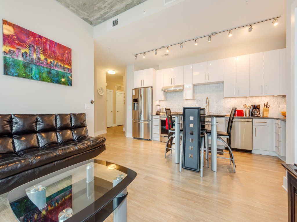 1 bedroom fully furnished apartment in charlotteuptown