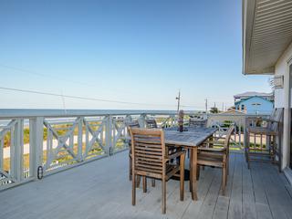 6492S- Oceanfront- Family Friendly Beachfront Retreat