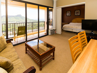 Waikiki Banyan Tower 1 Suite 3703