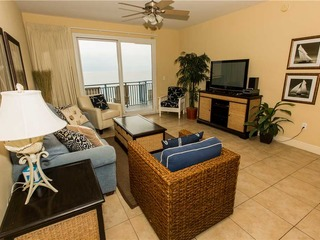 Sterling Breeze- Three-Bedroom Apartment