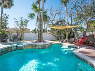 4700Sax- Delightful Pool Home