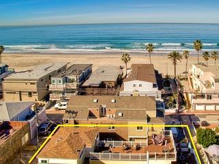 Roxy Beach House 4