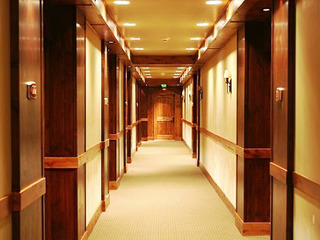Lodge King Hotel Room 212
