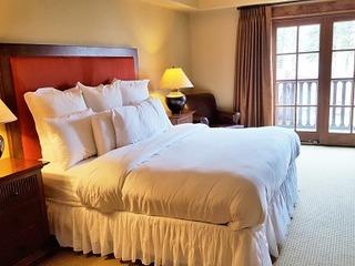 Lodge King Hotel Room 316