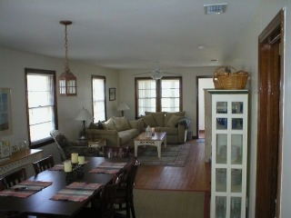 Sandpiper: Updated 2 bedroom ocean front cottage with vintage feel. Parking and beach access