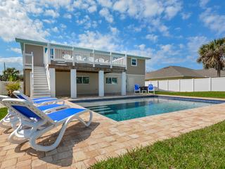 4717S- Gorgeous 4 Bedroom Pool Home