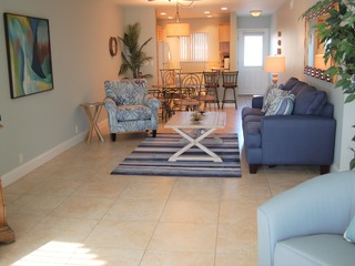 Sunset Royale- 104- Recently Renovated with Outdoor Patio w/ S