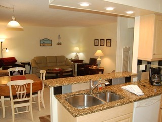 Siesta Beach House #202 Ground Floor, Beautiful updated Unit