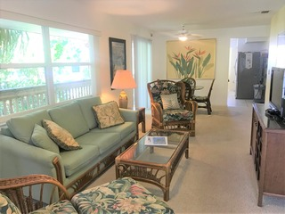 1010 Point of Rocks Road-pet friendly by the beach!