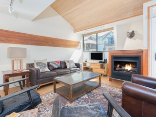 Beautifully Decorated 2 Bedroom Plus Loft in Telluride