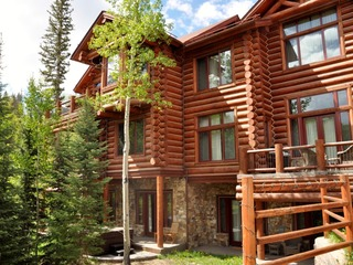 Beautiful High End Home with Ski In Ski Out Access
