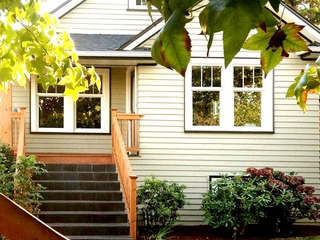Centrally Located Ballard Craftsman Near Downtown Seattle - image