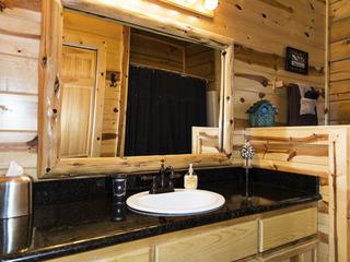 Peaceful Pines Cabin Broken Bow