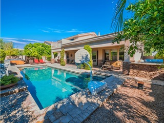 Spacious 6 BR w/Amazing Pool + Gourmet Kitchen- Small or Large Groups Welcomed