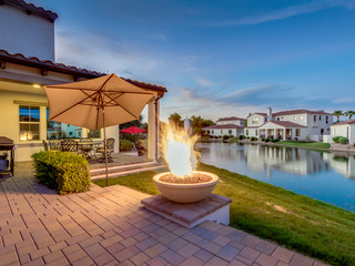 Luxurious WATERFRONT Oasis with FIRE PIT/BBQ!!