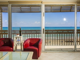 Beachfront Bahia Mar Villa 277