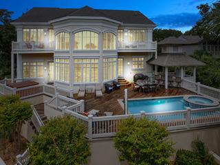 North Forest Beach Luxury Home w/Private Boardwalk to Beach