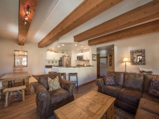 Rustic-Contemporary 3Br With Great Views