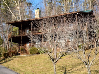 COUNTRY SPRING- 2 Bedrooms, 2 Baths, Sleeps 6