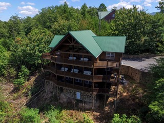 WILD TURKEY LODGE- 6 Bedrooms, 6.5 Baths, Sleeps 22