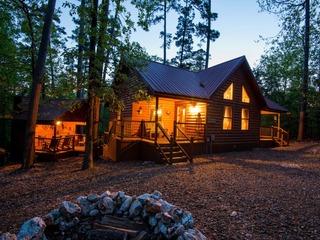 Pocahontas (2 Bedrm) (Luxury Cabin)