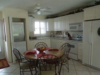 Jamaica Royale 097 Great updated unit!