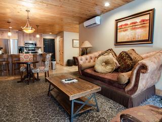 Treasure Mountain Inn- 1 Bedroom Condo #24