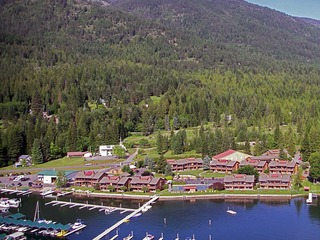 Pend Oreille Shores Resort E25