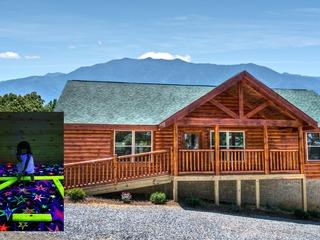 Grand View Lodge: Mtn Views, Blacklight Mini-Golf & Zipline!