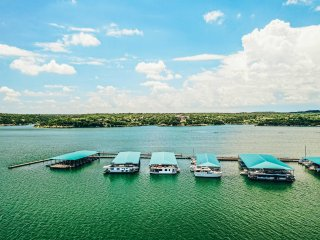 Airstream Houseboat with Amazing Lake Travis View