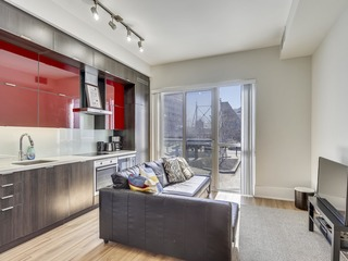 Luxury Condo on Front Street West II (218)