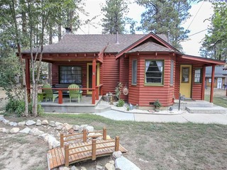 A Sweet Pine Cabin