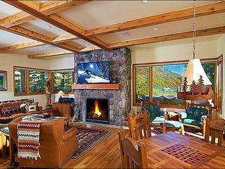ENJOY SNOWMASS LIKE YOU LIVE HERE: THE SERENITY AND SUN OF HORSE RANCH!- Walk to Rim Trail/Rodeo/Rec Center/JAS Music Festivals