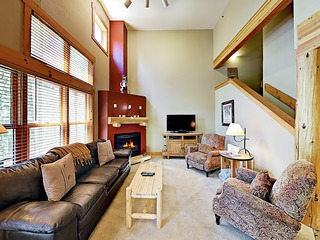 New Listing! Updated Chalet w/ Hot Tub, Free Shuttle