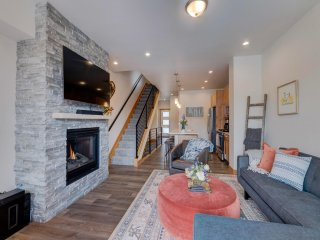 Arrow Luxury Townhome #298