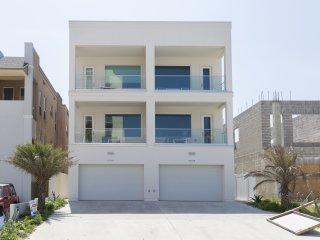 5703B Gulf Blvd (Casa Santiago B)