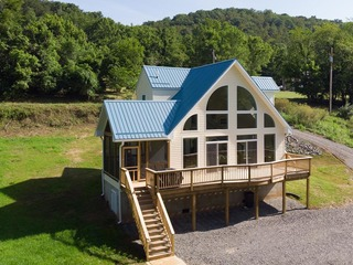 Blue Heron- Riverfront Luxury Cabin