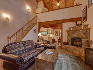 Marla Bay Lodge (ZC187) Luxury Home in Quiet Lakefront Community
