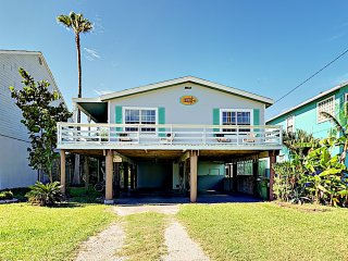 New Listing! Upscale Remodel- Walk to Beach
