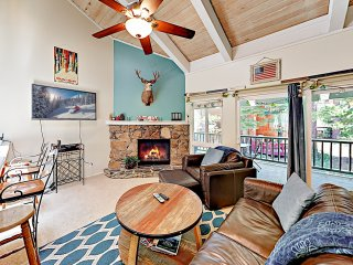 New Listing! Stylish 3-Story Condo Near Ski Resorts