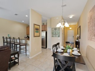 Paradise Palms Resort 4 Bed 3 Bath Town Home