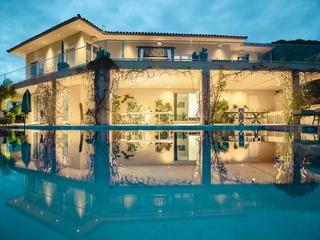 *GETAWAY* Huge Desert Villa w/ Tennis Court, Pool, Firepit ❤