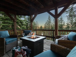 5 BDR cabin in the woods in Tahoe w/Large deck and outdoor grill ❤