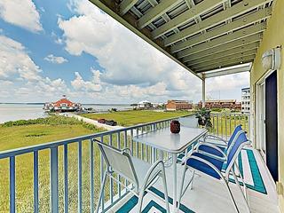 New Listing! Bayfront Condo w/ Pool- Walk to Beach