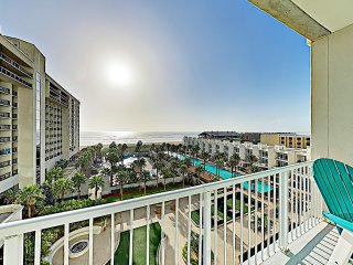 New Listing! High-End Sapphire Condo w/ Gulf Views