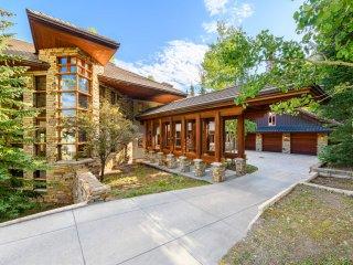 Wilson Peak Estate